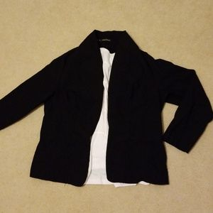 Maurices open blazer size 2 fits like large